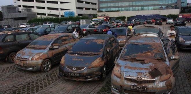 Jangan tertipu, berikut ini tips mengenali banjir mobil bekas