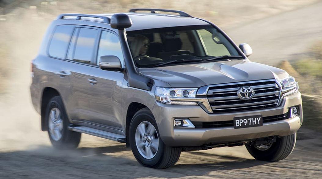 Toyota Land Cruiser akan muncul dalam versi Hybrid